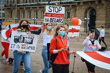 Solidaritaetsdemo von Hamburger Belarussen gegen das Lukaschenko Regime in ihrem Heimatland Weissrussland