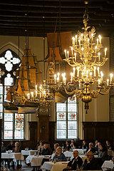Deutschland  Bremen - Obere Halle des Bremer Rathauses (auf der UNESCO-Welterbeliste)  Backsteingotik 15. Jh.  Schiffsmodell 17. Jh.