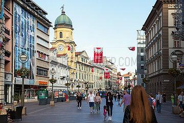 Kroatien  Rijeka - Flaniermeile Korzo mit Motto Rijeka2020.eu (Kulturhauptstadt Europas 2020)
