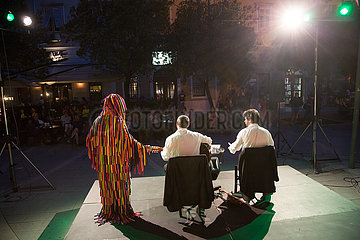 Kroatien  Rijeka - das Corona Cabaret wartet auf mit schwarzem Humor im Angesicht der Coronakrise