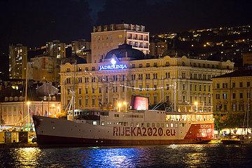 Kroatien  Rijeka - Botel Marina Rijeka mit Motto Rijeka2020.eu (Kulturhauptstadt Europas 2020)