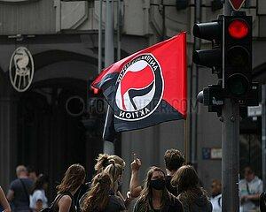 Antifa-Gegenprotest bei Demo von Corona-Skeptikern am 29.08.2020