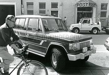 Gelaendewagen in der Stadt  neuer Trend  1988