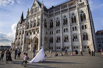 Protest für die Freiheit der Hochschule für Theater und Film (SzFE) Budapest | Protest for the freedom of the University of Theater and Film (SzFE) Budapest