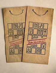 alte original DDR Papiertueten der Warenhauskette konsument  1982