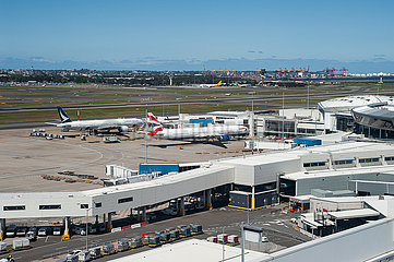 Sydney  Australien  Passagierflugzeuge parken auf dem internationalen Flughafen Kingsford Smith