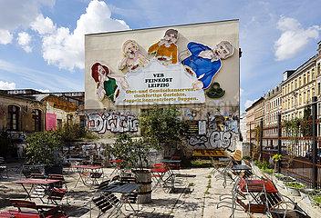 Historische Leuchtreklame der Loeffelfamilie  Sehenswuerdigkeit  Leipzig  Sachsen  Deutschland