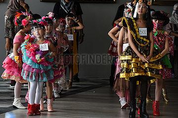 INDONESIEN-Tange-KIDS MODEL WETTBEWERB