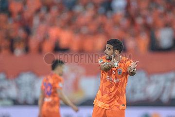 (SP) CHINA-DALIAN-FOOTBALL-CSL-GUANGZHOU Ever VS SHANDONG luneng (CN)