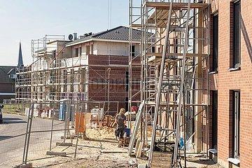 Bau von Mehrfamilienwohnhäusern