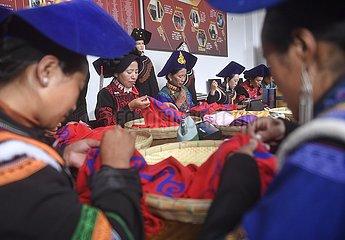 CHINA-SICHUAN-Liangshan-WOMAN-Armutsbekaempfung (CN)