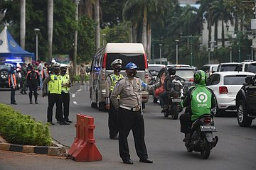 INDONESIEN-JAKARTA-COVID-19-checkpoint