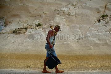 MALTA-GOZO-SEA SALT-ERNTE