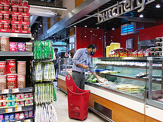 Dubai  UAE  September 2020- Man wearing masks in the supermarket.