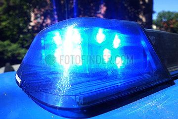 Berlin  Deutschland  Blaulicht eines Polizeiautos