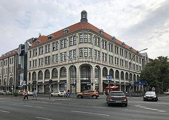 Berlin  Deutschland  Karstadt Warenhaus am Tempelhofer Damm
