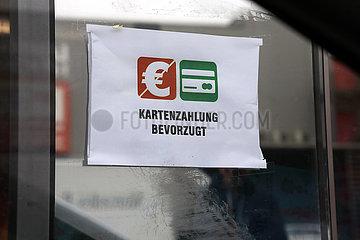 Berlin  Deutschland  Hinweis: Kartenzahlung bevorzugt