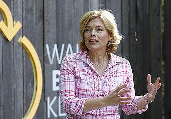 Pressekonferenz zum Thema: Startschuss fuer Deutsche Waldtage  Besuch im Berliner Grunewald  Massive Wiederaufforstung bundesweit notwendig