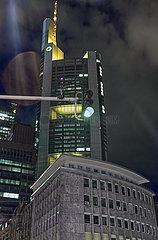 Commerzbank Tower bei Nacht