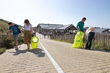 Niederlande-ZANDVOORT-WORLD Cleanup Day-FREIWILLIGE