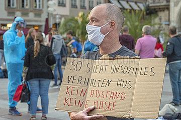Protest auf dem Marienplatz fuer Maskenpflicht  Muenchen  21.09.2020