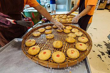 MALAYSIA-Mid-Autumn Festival-Mooncakes