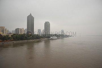 CHINA-HEILONGJIANG-HARBIN-SONGHUA RIVER-FLOOD DANGER (CN)