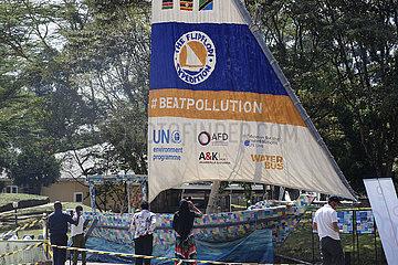 KENIA-NAIROBI-recycelter Kunststoff BOOT-THE FLIPFLOPI-VOYAGE