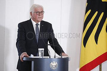 Treffen des Bundespraesidenten mit Angehoerigen der Todesopfer des Anschlags von Hanau  Schloss Bellevue