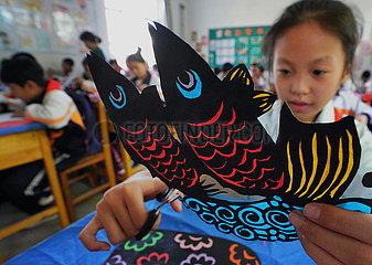 CHINA-HEBEI-TANGSHAN-PAPER-CUTTING-CLASS (CN)