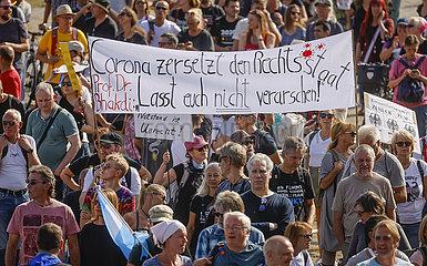 Anti-Corona Demonstration  Duesseldorf  Nordrhein-Westfalen  Deutschland