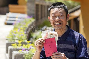 (ARMUT RELIEF ALBUM) CHINA-CHONGQING-Land-Reform VERÄNDERUNGEN (CN)