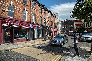 Grossbritannien  Derry - Strassenszene in der Innenstadt