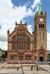 Grossbritannien  Derry - das neogotische Rathaus The Guildhall