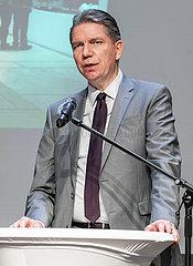 Lars-Christian Koch