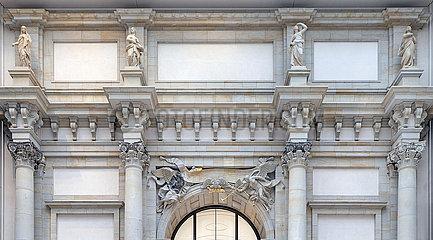 Fassadenschmuck + Skulpturen