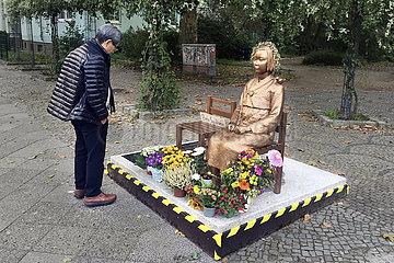 "Gedenken ""Trostfrauen"" Statue  Berlin"