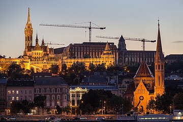 Budapest  Burgberg im Abendlicht | Budapest  Castle Hill in the evening light