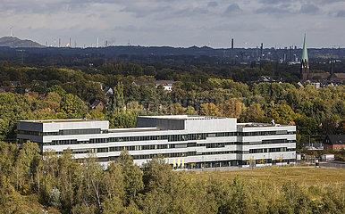 Folkwang Universitaet der Kuenste auf der Zeche Zollverein  Essen  Ruhrgebiet  Nordrhein-Westfalen  Deutschland