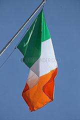 Hoppegarten  Deutschland  Nationalfahne von Irland haengt schlaff nach unten