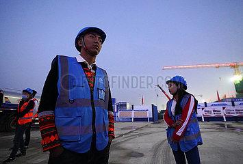CHINA-HEBEI-XIONGAN NEW AREA-AUFBAU-TOWER Kranführer (CN) CHINA-HEBEI-XIONGAN NEW AREA-AUFBAU-TOWER Kranführer (CN) CHINA-HEBEI-XIONGAN NEW AREA-AUFBAU-TOWER Kranführer (CN)