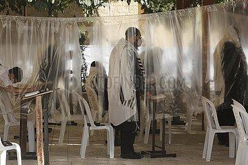MIDEAST-JERUSALEM-COVID-19-WESTERN WALL