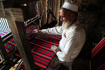 PAKISTAN-PESHAWAR-traditionelle SHAWL-FACTORY