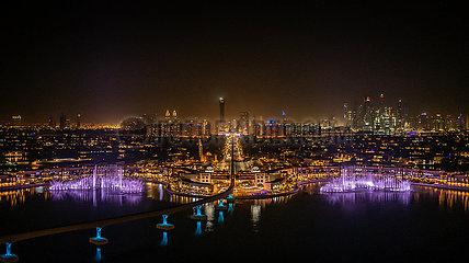 VAE-DUBAI-BRUNNEN