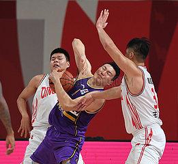 (SP) CHINA-ZHUJI-BASKETBALL-CBA-LIGA-QINGDAO EAGLES VS BEIJING ROYAL FIGHTERS (CN)