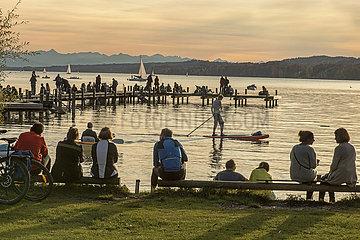 spaeter Nachmittag am Starnberger See  Oktober 2020