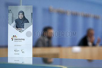 Bundespressekonferenz zum Thema: Gruendung eines unabhaengigen Imamseminars zur Ausbildung von religioesem Betreuungspersonal