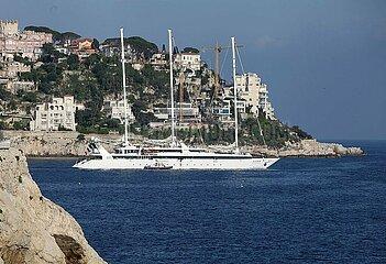 Segelschiff vor Nizza