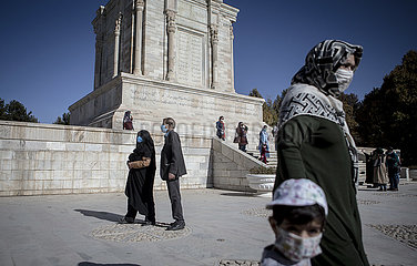 IRAN-ALTES STADT-TOUS-Ferdowsi GRAB