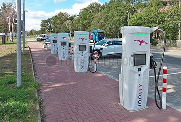 Ionity Lades‰ulen an der Autobahn A2 | Ionity charging stations on the A2 motorway